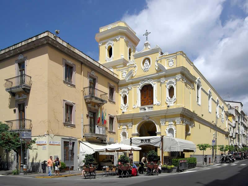 Madonna del Carmine: Sorrento guide