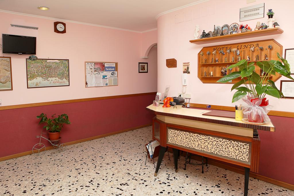 cheap hotels in sorrento: Hotel Linda