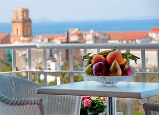 cheap accommodation sorrento italy: Angiolina Apartments